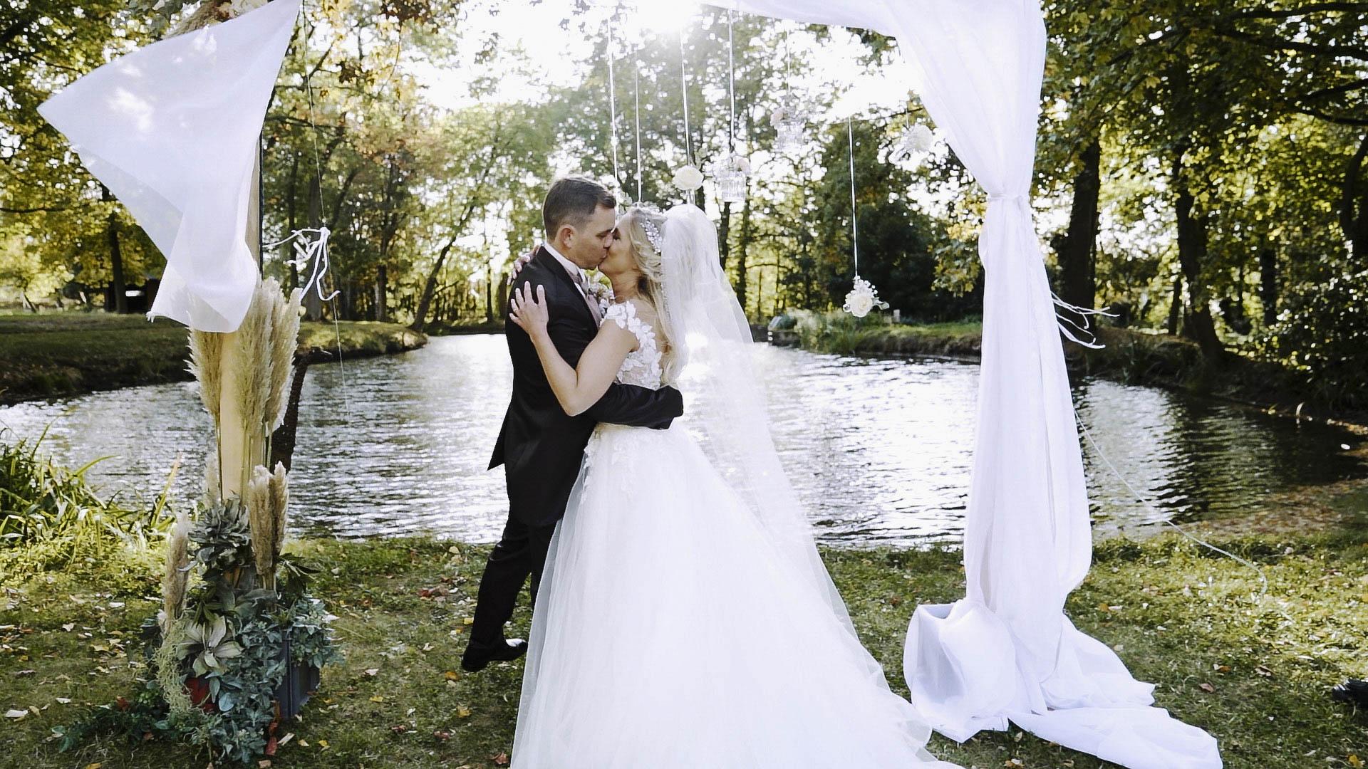 Hochzeitsfilm Pascal & Jenny Schloss Vettelhoven Grafschaft