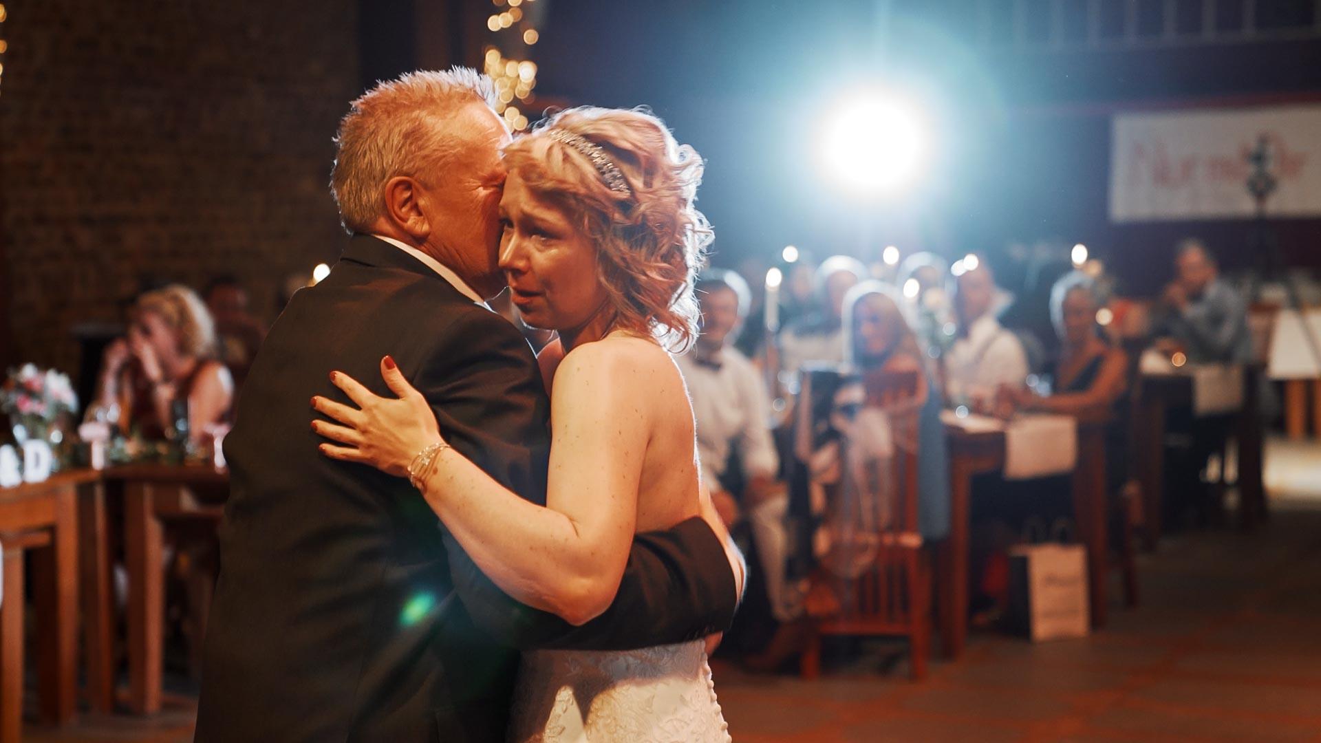 Hochzeit Kommandeursburg Kerpen Hochzeitsvideo Film Videograf Filmemacher Bonn Köln